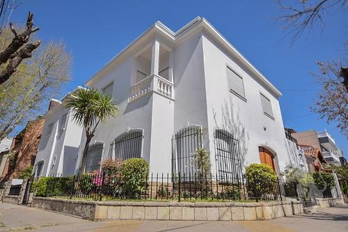 Imponente Casa En Esquina - Patio Con Parrilla - 6 Ambientes - Terraza - Calidad De Construcción - Barrio River