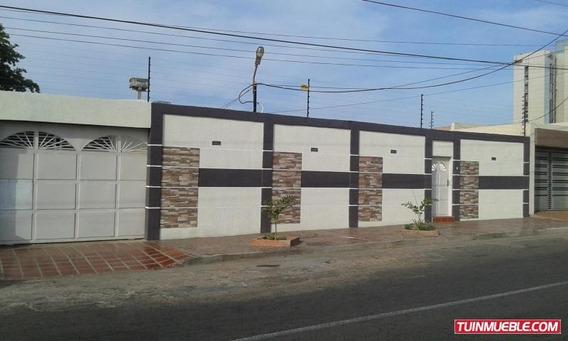 Casa En Urb. Las Lomas
