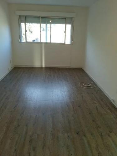 Apartamento 3 Dormitorios Cordón Al Frente Bajos Gc