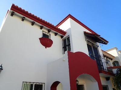 Venta De Casa En Fraccionamiento Villa Magna, Cd. Del Carmen, Campeche