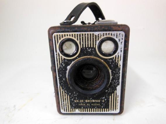 Câmera Antiga Fotogrática Kodak Six-20 Brownie