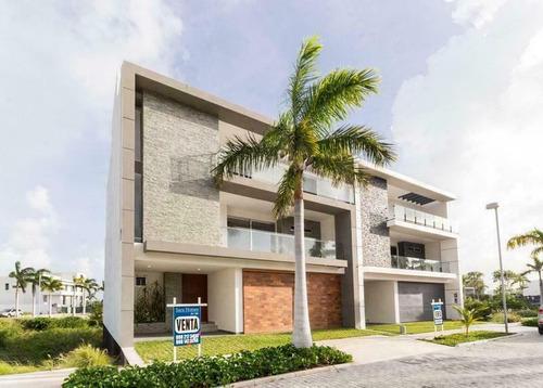 Imagen 1 de 30 de Casa En Venta Puerto Cancún  4 Recámaras