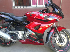 Rouser 220 Moto Impecable