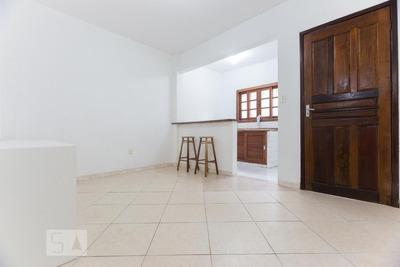 Apartamento No 1º Andar Com 1 Dormitório E 1 Garagem - Id: 892911631 - 211631