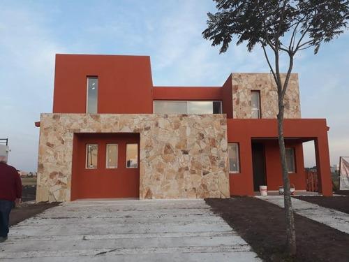 Imagen 1 de 5 de Casa En Venta Puertos Del Lago Vistas