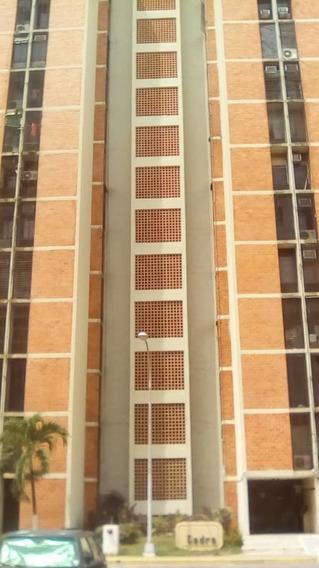 Apartamento En Venta Urb Bosque Alto 04128849102