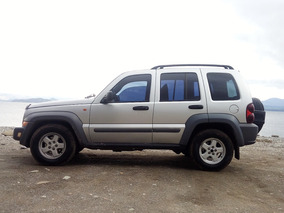 Jeep Cherokee 2.8 Sport At