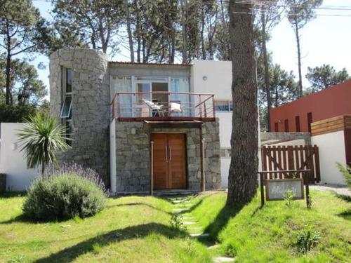 Casas En Venta 4 Dormitorios  Montoya Punta Del Este - Dl466