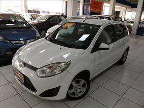 Ford Fiesta 1.6 Rocam Se Plus Hatch 8v Flex 4p Manual