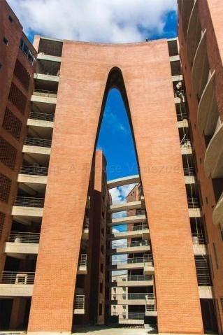 Venta Bellísimo Apartamento 200 M2. Lomas Las Mercedes H C