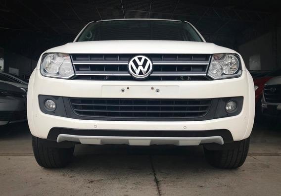Volkswagen Amarok Dark Label 2.0. Branco 2015/15