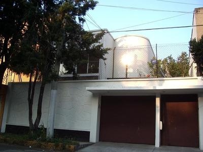 Rento Bonita Casa Duplex En Calle Cerrada