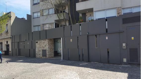 Departamento De 2 Ambientes Con Balcon Y Cochera