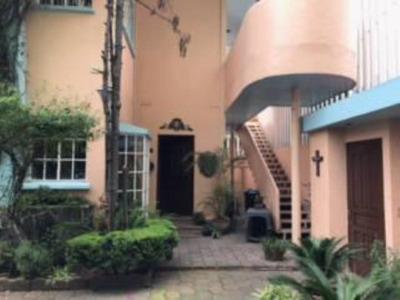 Hermosa Casa , Muy Segura Y Con Excelente Ubicacion