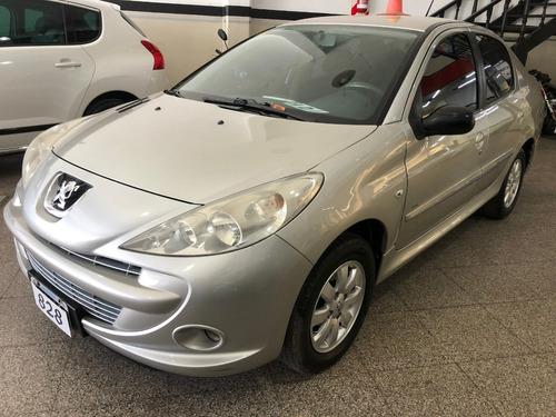 Peugeot 207 Xs 1.4 Hdi Full Full 2011 Financiamos