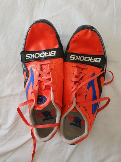 Spikes Brooks Atletismo T.