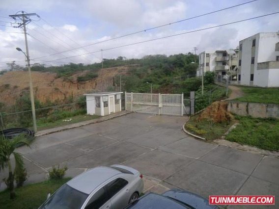 Cm #19-15182 Apartamento En Valle Arriba