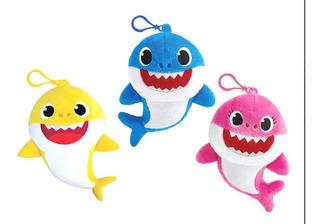 Baby Shark Peluche Musical 15 Cm Para Colgar Personajes Edu
