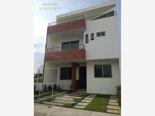 Casa Sola En Venta Residencial Terranova, 4 Recámaras, Equipada, Inversión De Alta Plusvalía.
