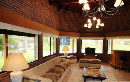 Moderna Y Excelente Casa Cerca De La Mejor Zona De Playa Mansa - Ref: 1087
