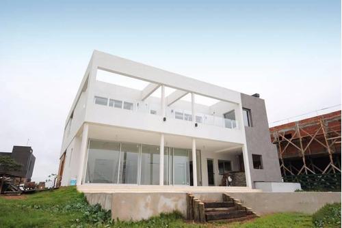 Casa En Venta  Al Lago En  Puertos - Nordelta Ii