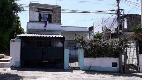 Linda Casa De 3 Dormitorios