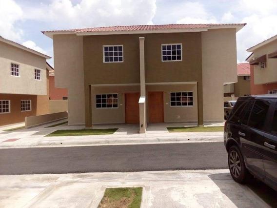 Grandiosa Casa En La Jacobo Majluta Resdencial Villas Colina