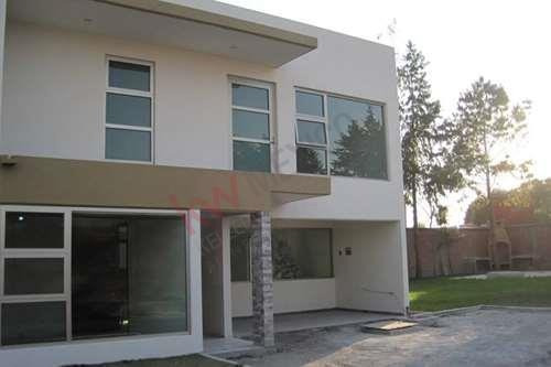 Imagen 1 de 12 de Casa - Fraccionamiento La Asunción