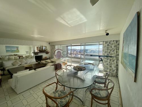 Apartamento En Frente Al Puerto- Ref: 2935