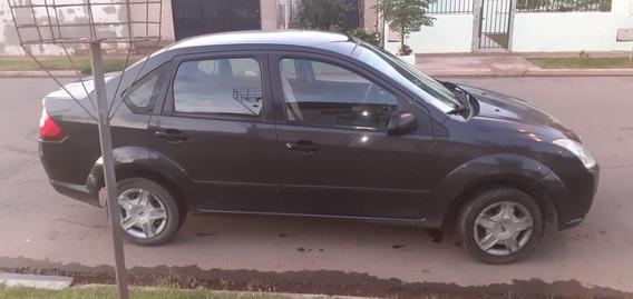 Ford Fiesta Max .