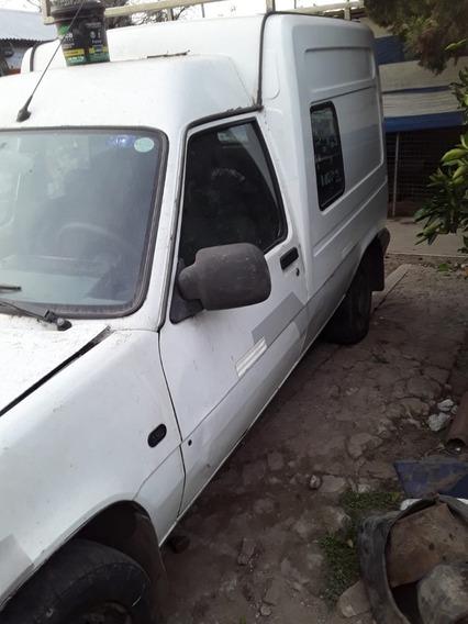 Vendo Renault Express Mod. 2000 Gasolera $115000