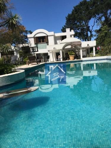 Propiedad En Venta, Barrio Residencial, Golf Punta Del Este- Ref: 1116