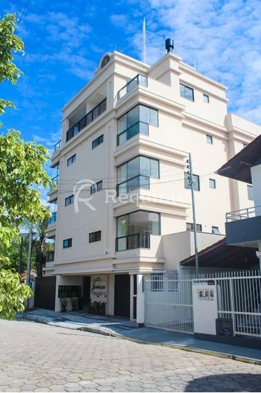 Em Itapema Apartamento Com 2 Dormitórios - 1185