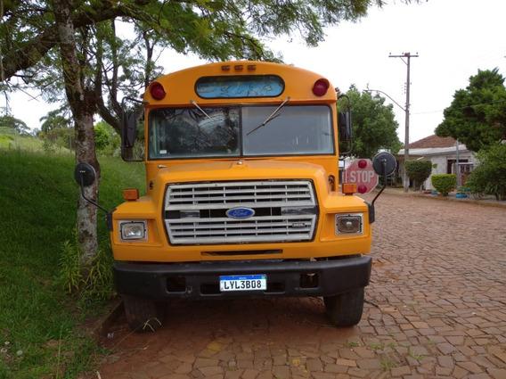 Onibus Scoll Bus - B700
