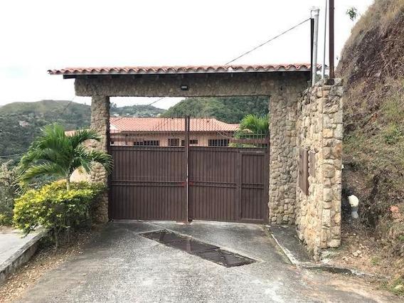 Townhouse En Venta Lomas De La Lagunita Mls #20-4300