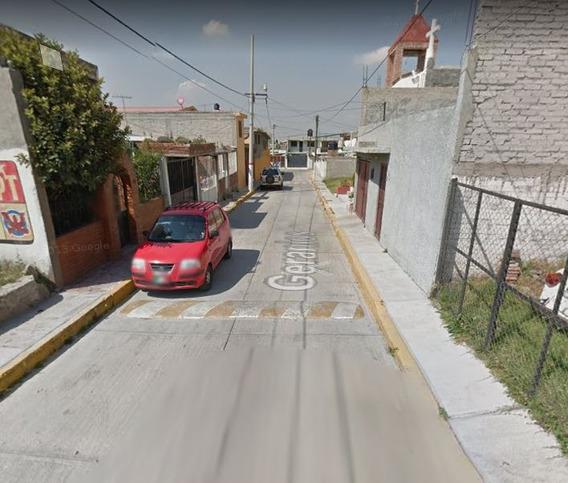 Casa A Remate En Calle Geranios, Col. Bellavista, Texcoco
