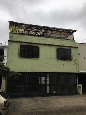 Casa Con Minidepartamento Incluido De Ocasión En Sjm