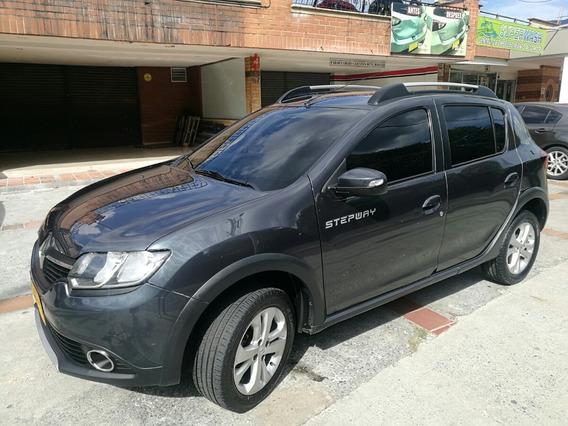 Renault Sandero Stepway Expression Full Gris Oscuro 2017
