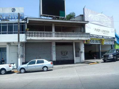 Casa Con Dos Locales Comerciales Exelente Ubicacion