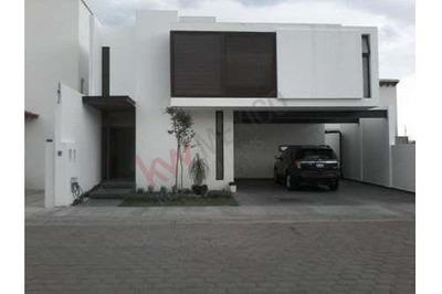 Vendo Casa 3 Niveles, Pedregal De Vista Hermosa, Queretaro