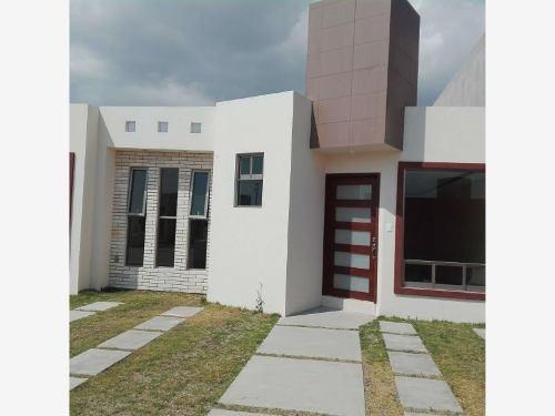 Casa Sola En Venta Residencial Montenovo, Hermosa Casa Con 3 Recámaras, Y Alberca Climatizada.