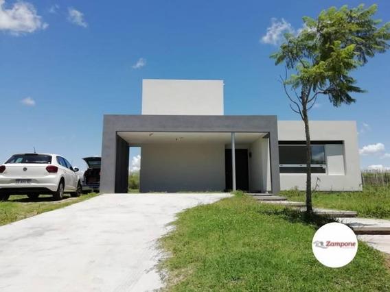 Venta Lindisima Casa Moderna En Barrio Puertos Del Lago - Vistas