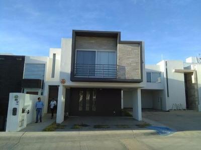 Casa En Venta En Horizontes Residencial.
