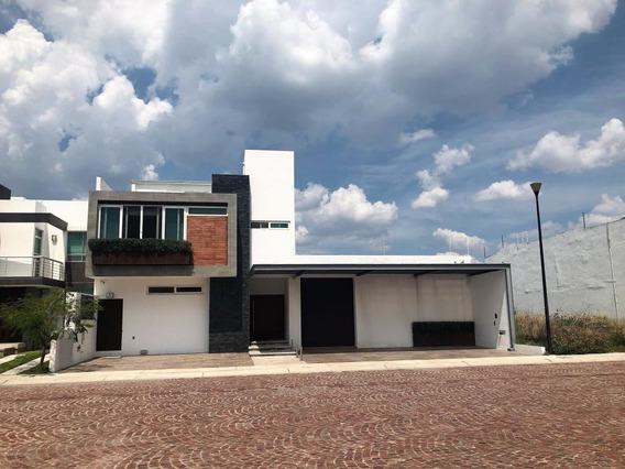 Casa En Venta En Cumbres Del Lago, Queretaro, Rah-mx-20-801