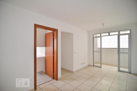 Apartamento No 1º Andar Com 2 Dormitórios E 1 Garagem - Id: 892936748 - 236748