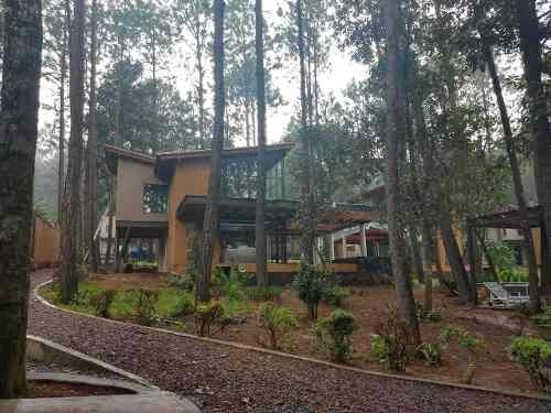 Casa En Valle De Bravo, Rodeada De Naturaleza