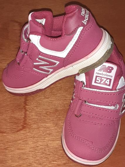 Zapatos Deportivos De Niñas Marca New Balance T/23