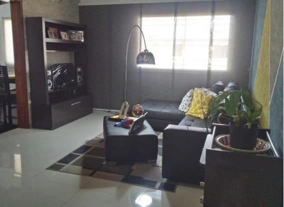 Bello Apartamento En Urb. Las Bromelias Mm 20-10071