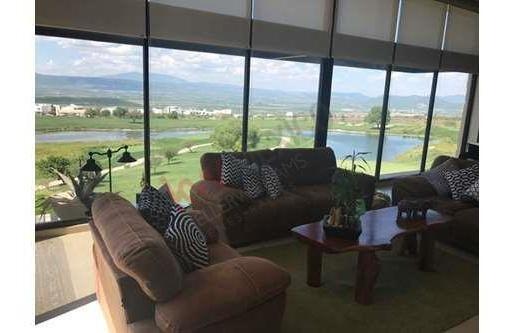 Divino Ph En Renta Con Una Hermosa Vista Al Campo De Golf Dentro De Zibata, Uno De Los Mejores Fraccionamientos En Qro.