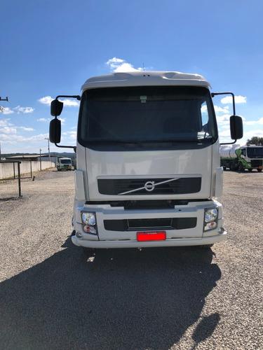 Imagem 1 de 15 de Volvo Vm 260 6x2